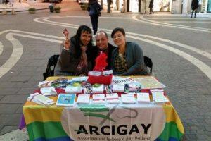 1Dicembre, giornata mondiale contro l'Aids: Arcigay ritorna in piazza con un banchetto di prevenzione.