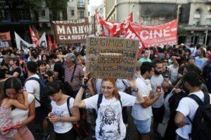 La pericolosa svolta neo-liberista dell'Argentina