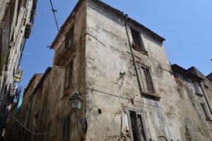 Centro storico: ennesimo crollo, lettera del Comitato Piazza Piccola al Prefetto.