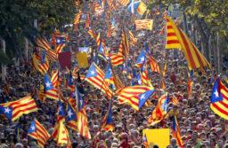 Catalunya: La dichiarazione di indipendenza arriva solo a metà (AUDIO)