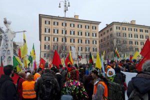 Roma: Sabato partecipato corteo di solidarietà al popolo curdo. Intervista a Davide Grasso (AUDIO)
