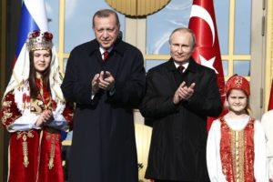 D'amore e d'accordo: Erdogan e Putin continuano a fare grandi affari